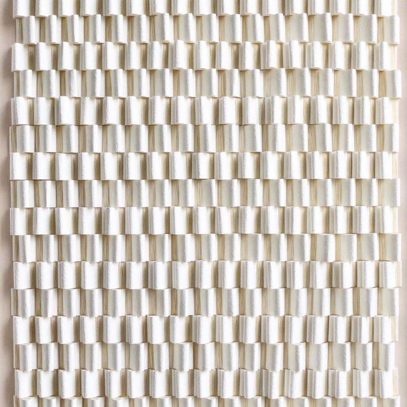 2017, 80x60cm, witte kunststof lijst, offwithe aquarelpapier, DMC garen, lijm, canvas